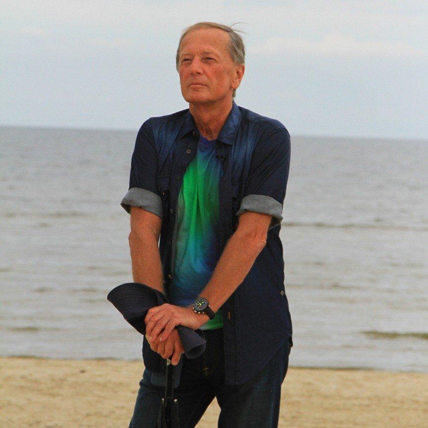 «Жить и жить бы на свете...»: фанаты обсуждают «прощальное» видео Михаила Задорнова