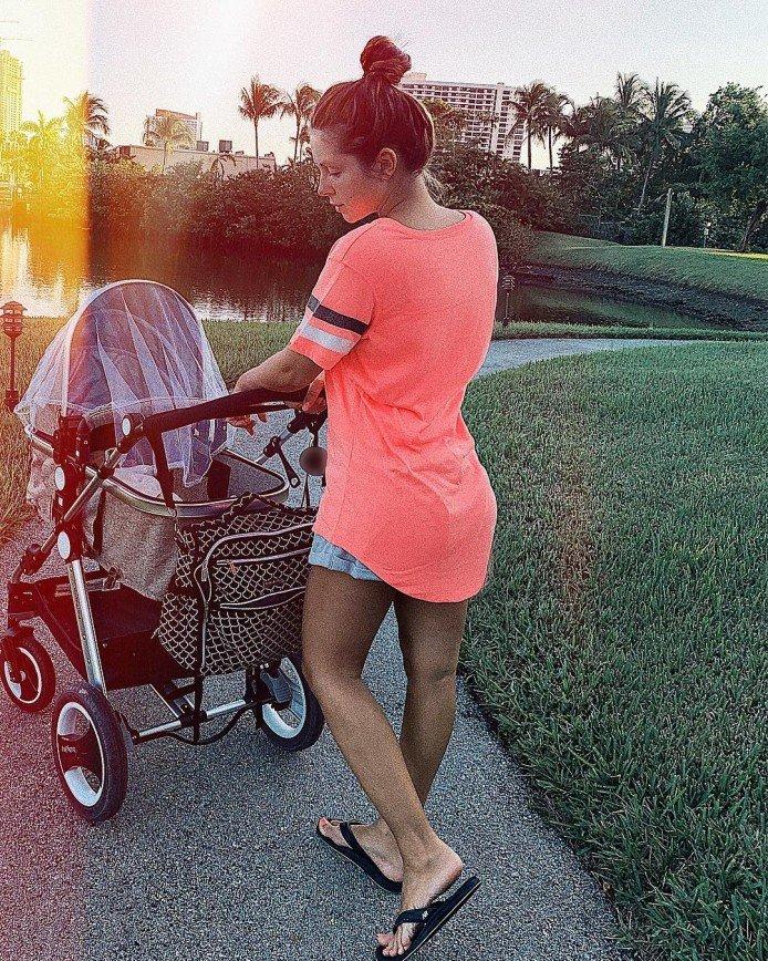 Есть над чем работать: Нюша продемонстрировала фигуру после родов