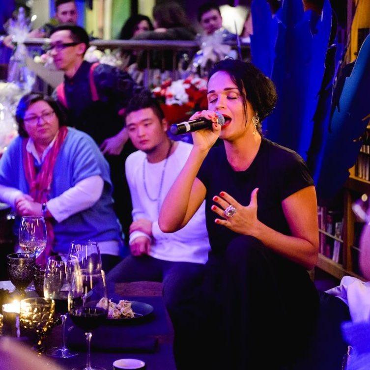 «С легким паром!»: певица Слава рассказала о своем банном дне