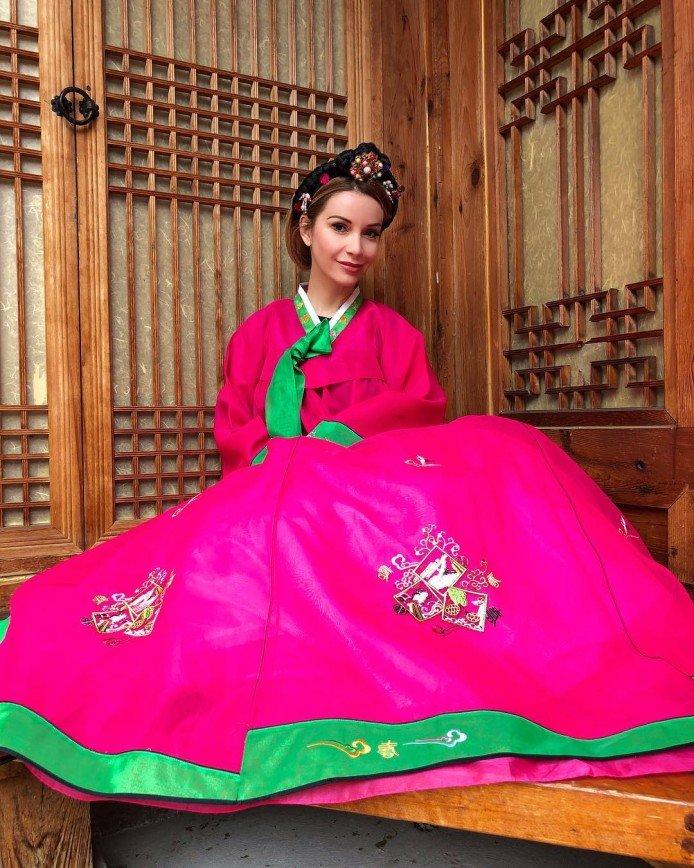 В Сеуле российские звезды примерили исторические костюмы корейских принцесс