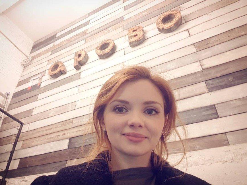 «Ушки на макушке»: Ольга Кузьмина притворилась кошечкой