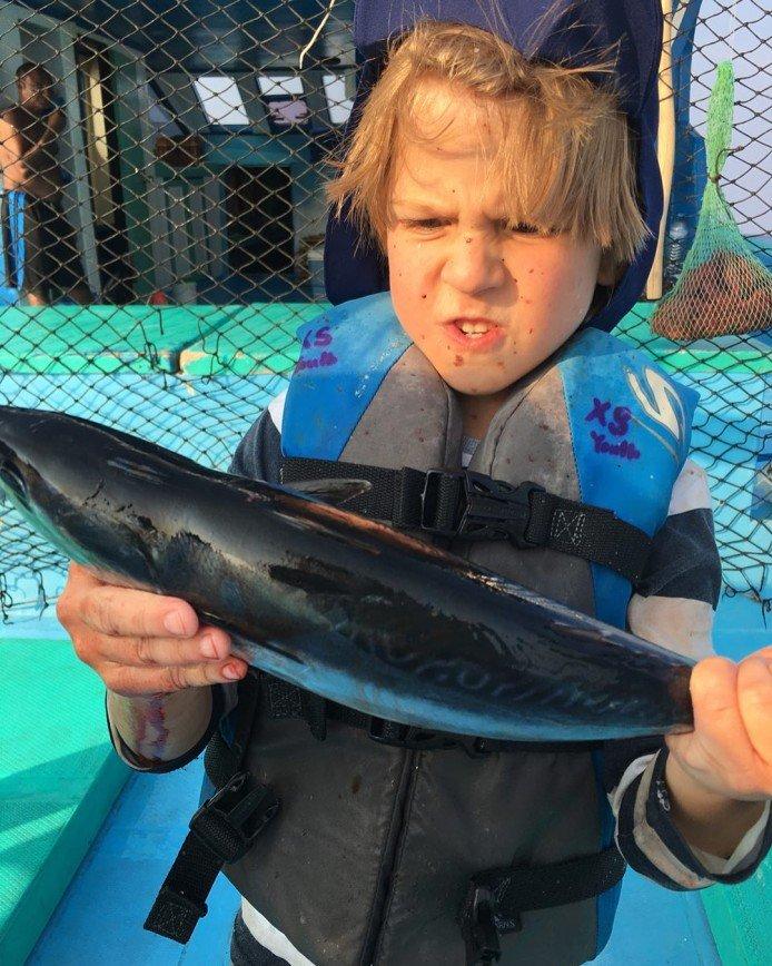 «Мальчишеские развлечения»: Виктор Дробыш учит сына рыбачить