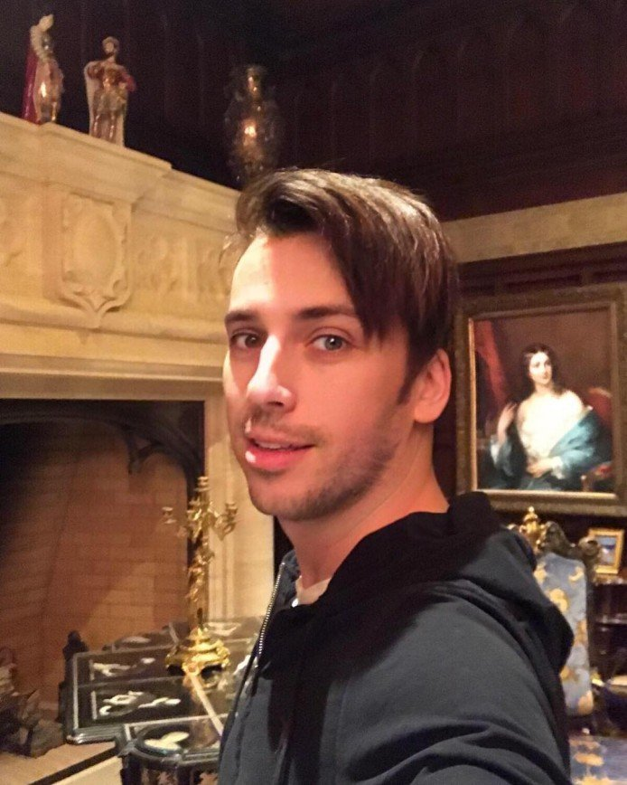 «Наконец-то»: Максим Галкин привел волосы в порядок