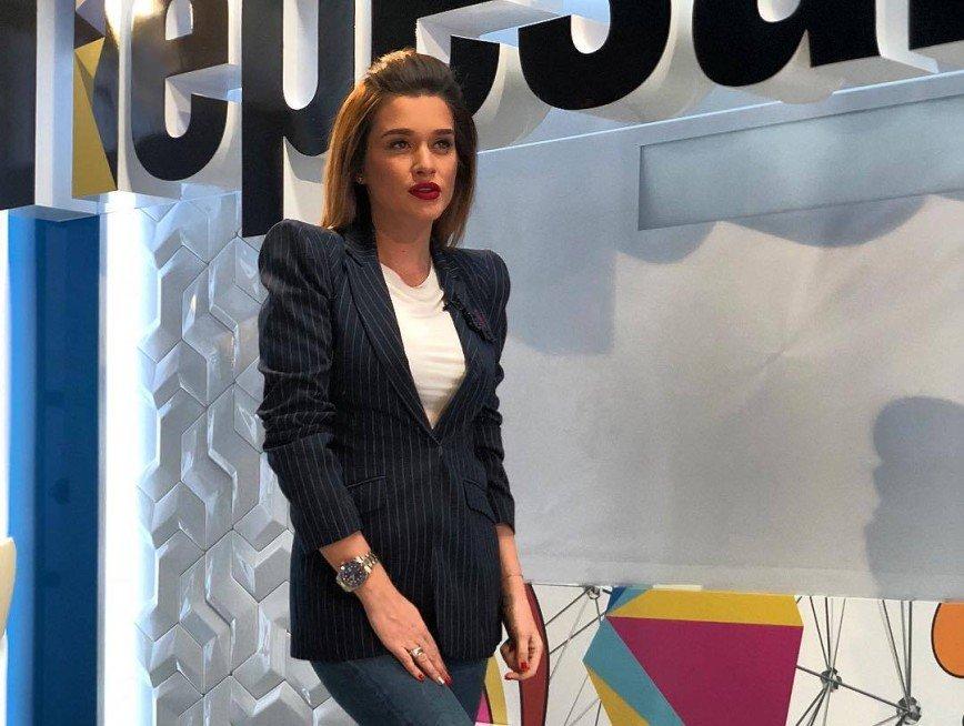 «Меня выдайте замуж!»: Ксения Бородина спародировала Сябитову