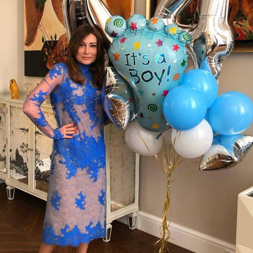 """""""У нас сегодня родился мальчик"""": Жанна Мартиросян оригинально сообщила о празднике в семье"""