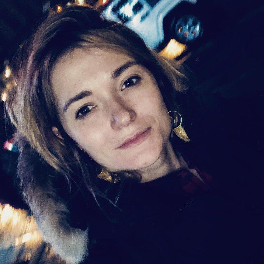 «А я вот все думаю»: 31-летняя Надежда Михалкова забывает свой возраст