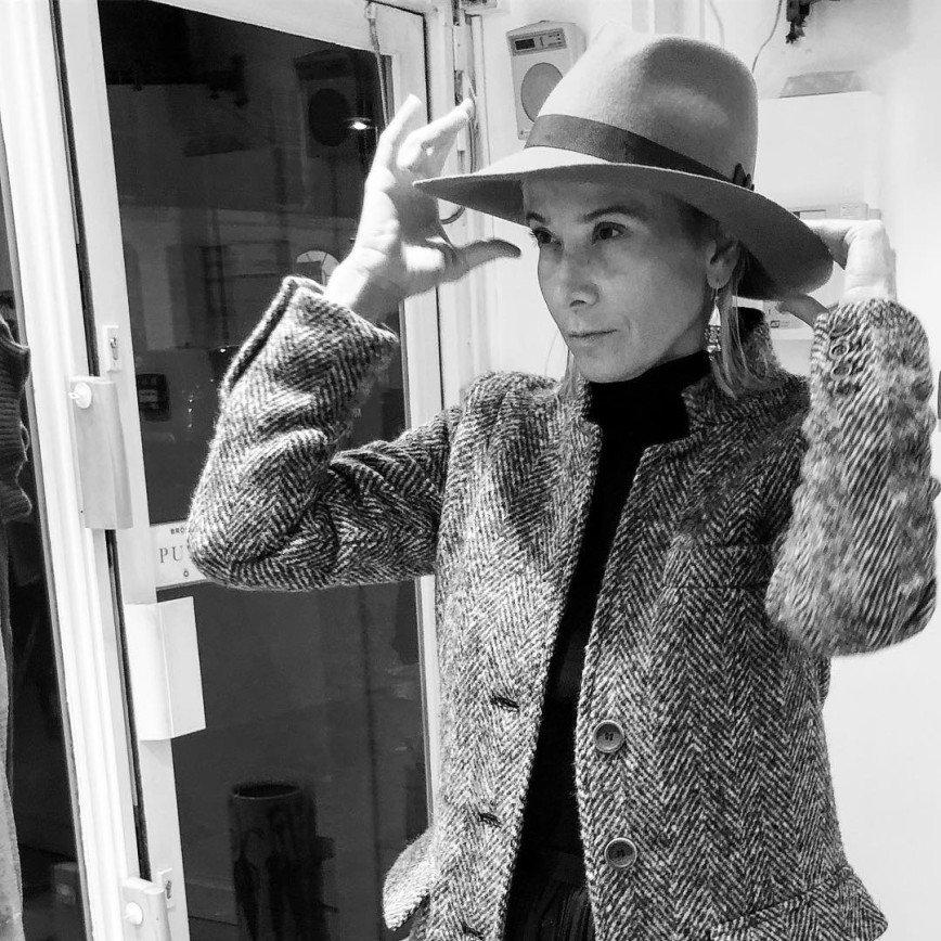 «Московская фея»: нежное пальто Юлии Высоцкой создало настроение весны