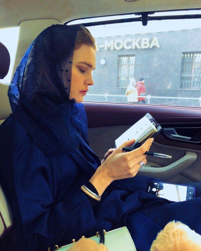 «Сохраняет русские традиции»: Наталья Водянова отвела мужа-миллиардера в храм