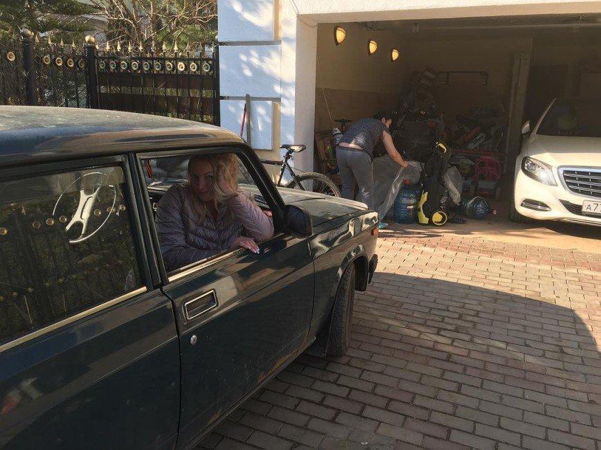 «Денег на свадьбу не хватает?»: Анастасия Волочкова озадачила объявлением о продаже машины