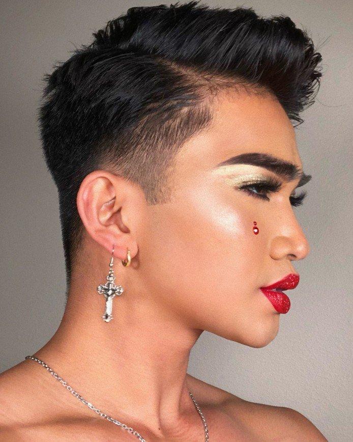 Бьюти-блогер – мужчина: парни, которые делают макияж круче девушек :