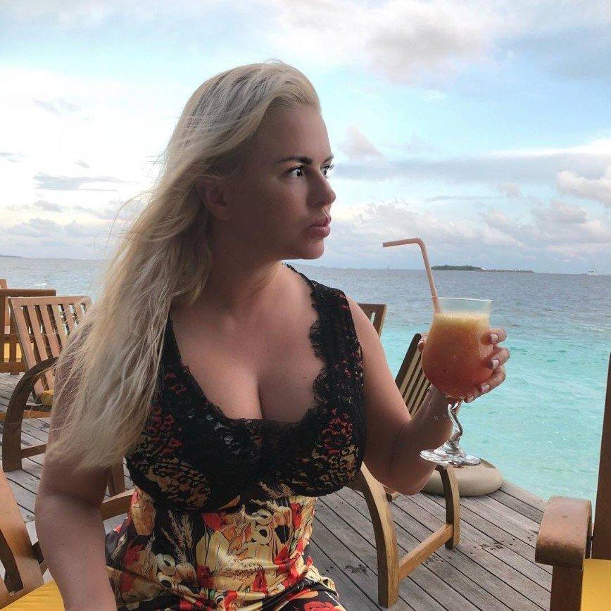 «Даже лучше, чем грудь!»: Анна Семенович показала свои ягодицы