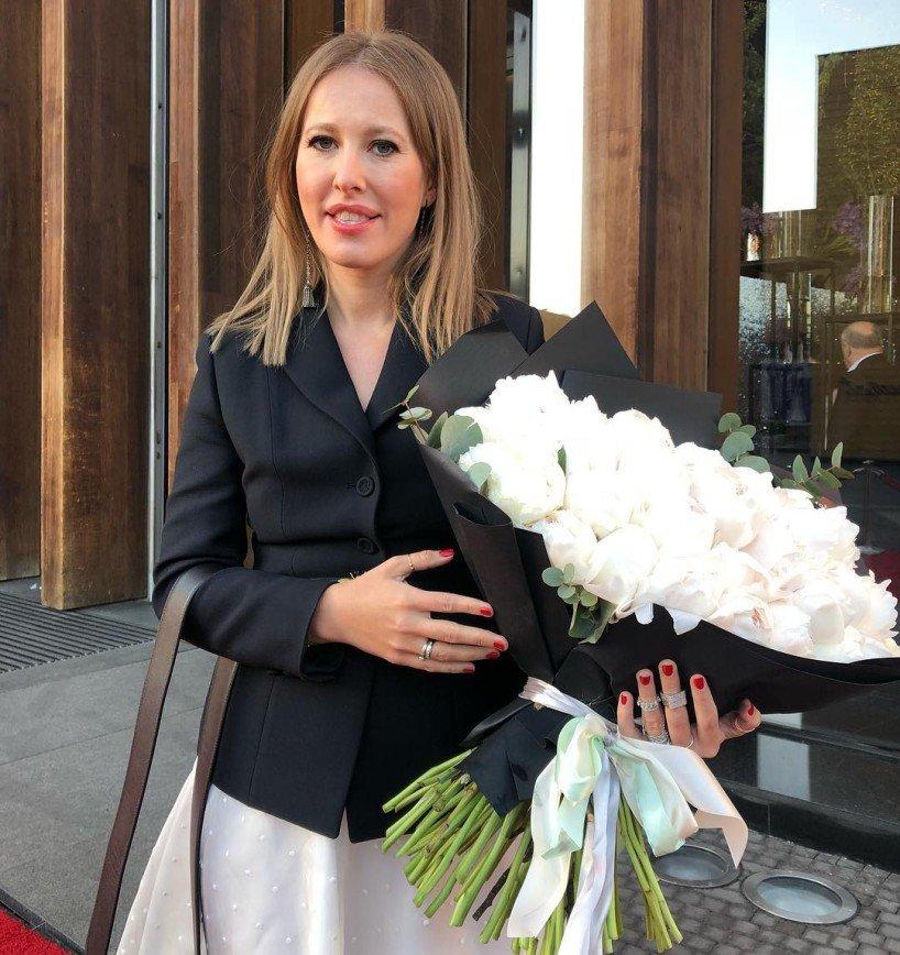 Супермодная обувь Ксении Собчак показалась поклонникам смешной