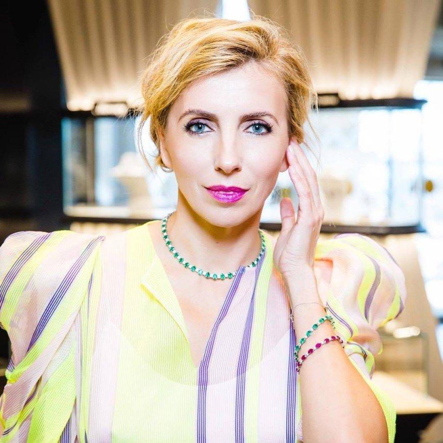 «Ей сложно выглядеть роскошно»: модный наряд Светланы Бондарчук не произвел впечатления