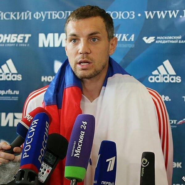 «Как будто вы наши враги!»: фовард сборной России Артем Дзюба просит дать им шанс