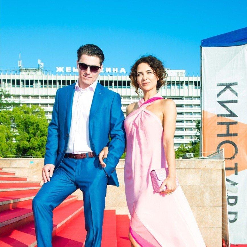«С годами только краше»: Екатерина Климова поразила цветущим видом в нежном платье