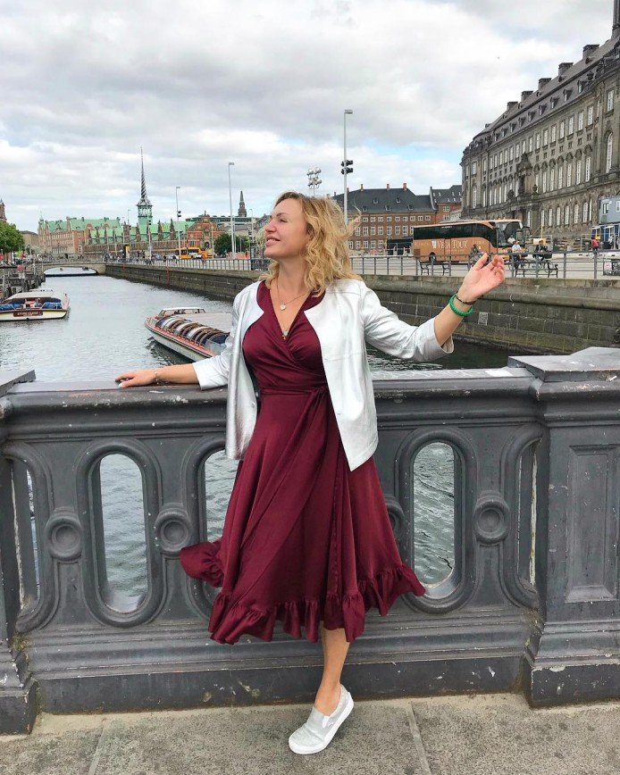 «Дома не поговорить?»: Алла Довлатова общается со старшей дочерью в Копенгагене