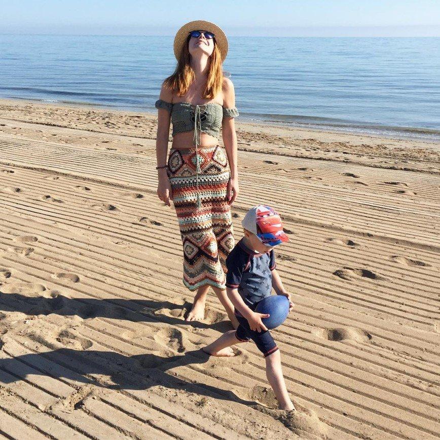 «Что за подтяжки?»: Наталья Подольская появилась в модном купальнике
