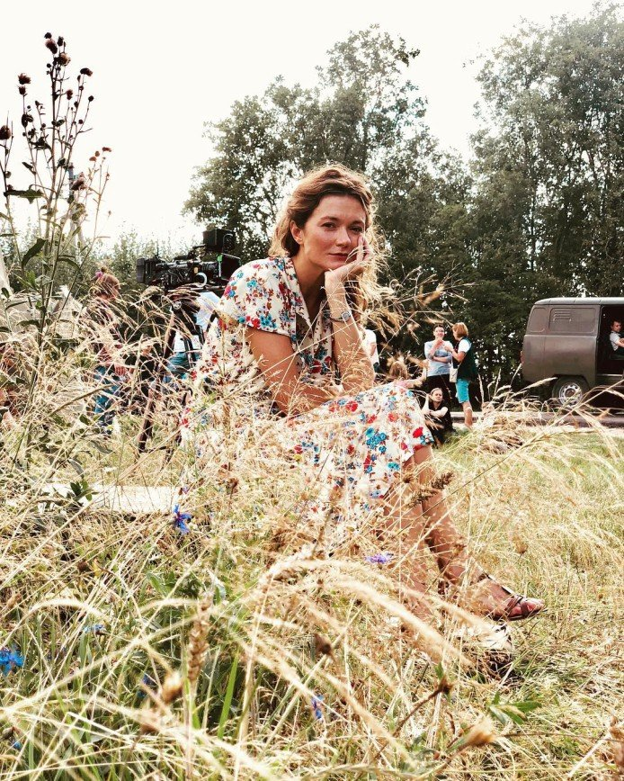 Я прыгнула в лето: лицо Надежды Михалковой покрылось веснушками