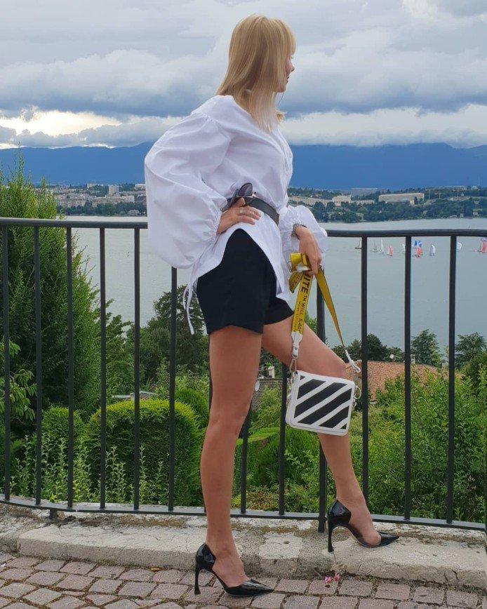 «Стильно и дерзко»: причудливые туфли Валерии пленили модных критиков