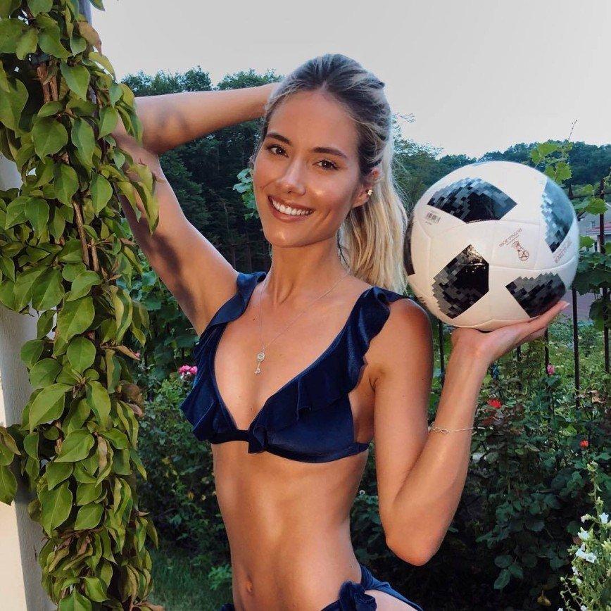 «Еще и правильно на грудь!»: Юлия Паршута показала финт с мячом