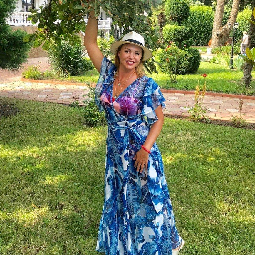 «Я бы визжала от ужаса!»: Алла Довлатова взяла в руки рака-отшельника