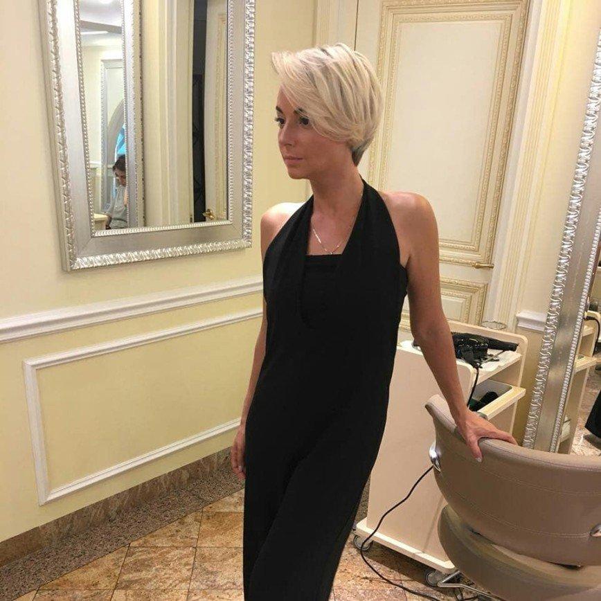 «Приблизила тот самый возраст»: Дарья Сагалова выглядит старше с новой прической