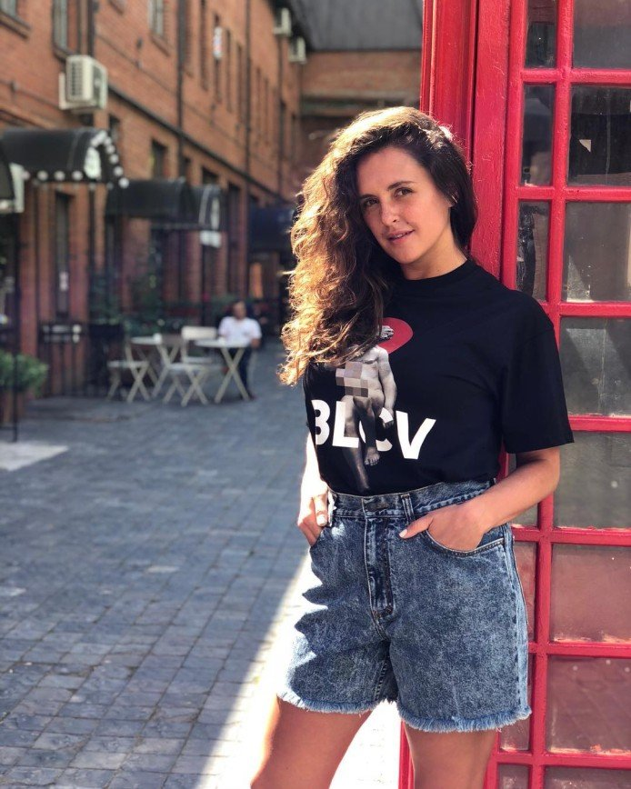 «Лучше говорите прямо!»: Марии Шумаковой дали советы на тему флирта