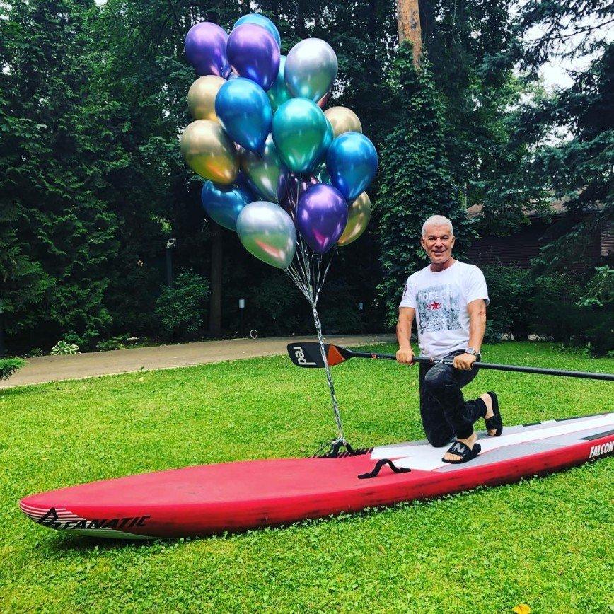 «Всем мужчинам мужчина»: «пенсионер» Олег Газманов отжался 67 раз и даже не вспотел