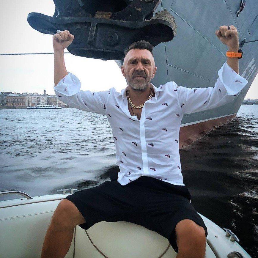 «Что за ценности в шоу-бизнесе?»: Сергей Шнуров призвал всех чаще разводиться