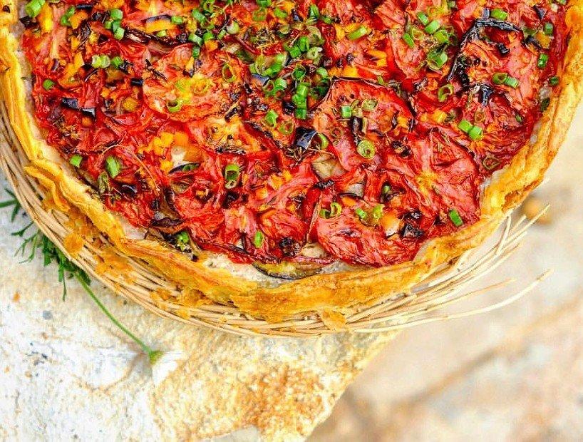 Летний пирог с овощами на скорую руку от Ники Белоцерковской