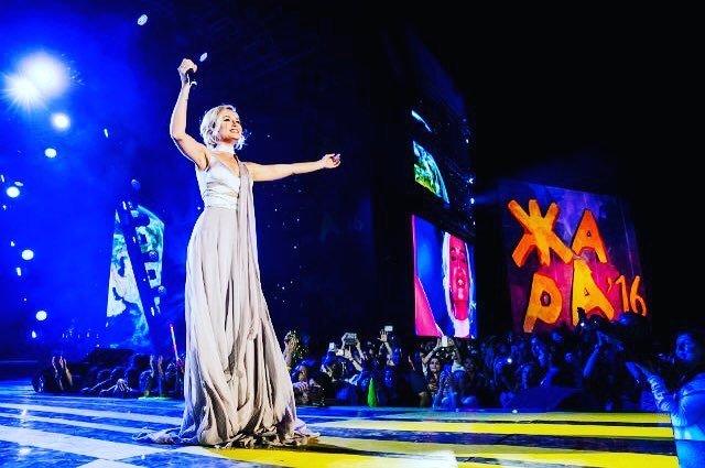 Полина Гагарина извинилась, что не приедет на музыкальный фестиваль «Жара»