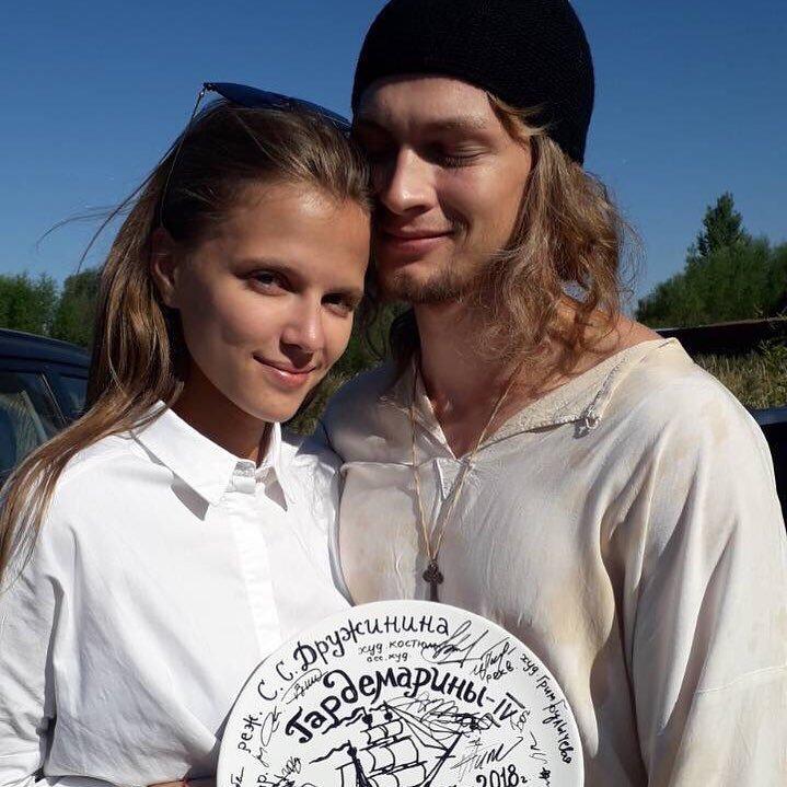 Светлана Дружинина представила главных героев своего фильма – детей гардемаринов