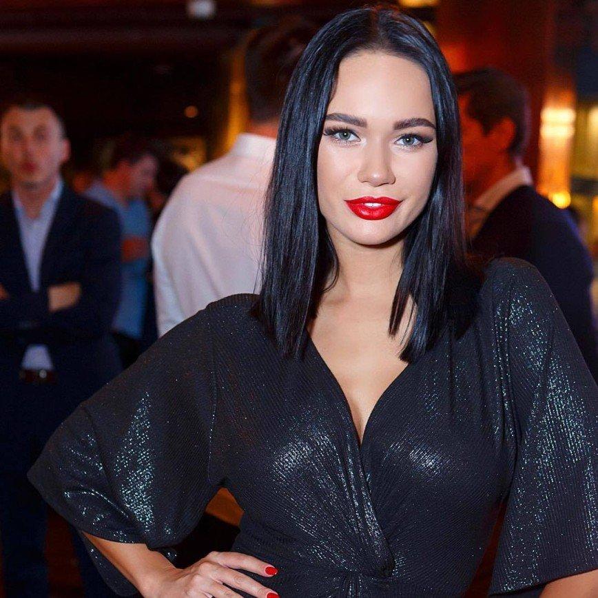 Яна Кошкина поставила точку в отношениях с таинственным избранником