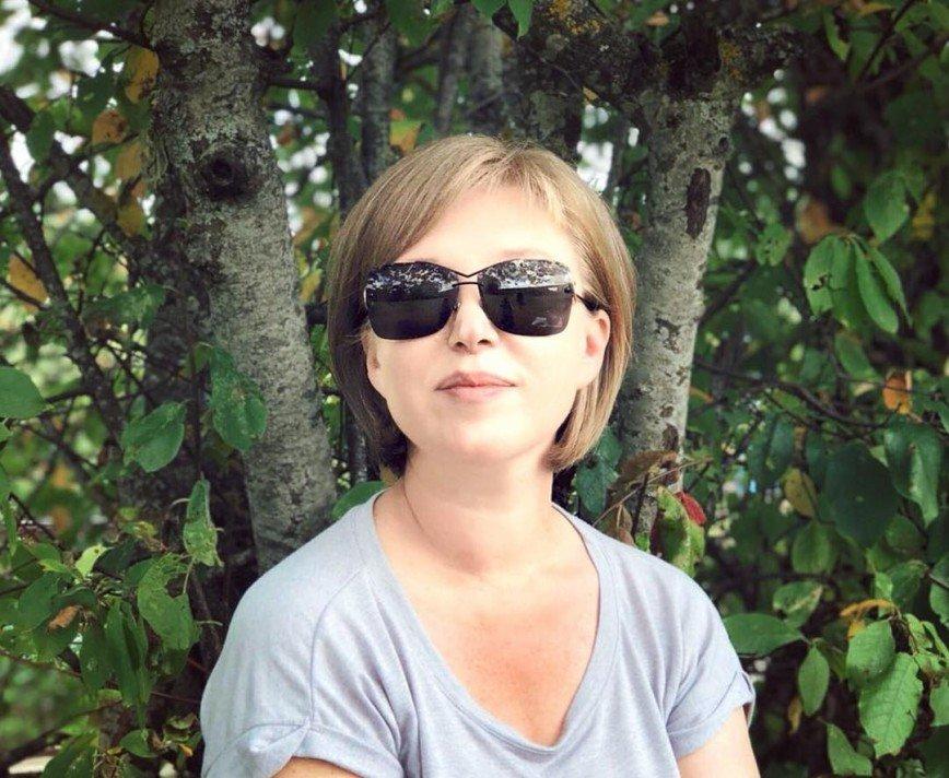 Лиза Арзамасова вышла на красную дорожку вместе с мамой