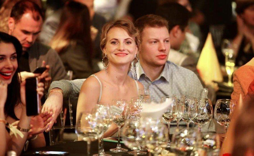 Актеры сериалов «Физрук» и «Кухня» сочетались узами брака