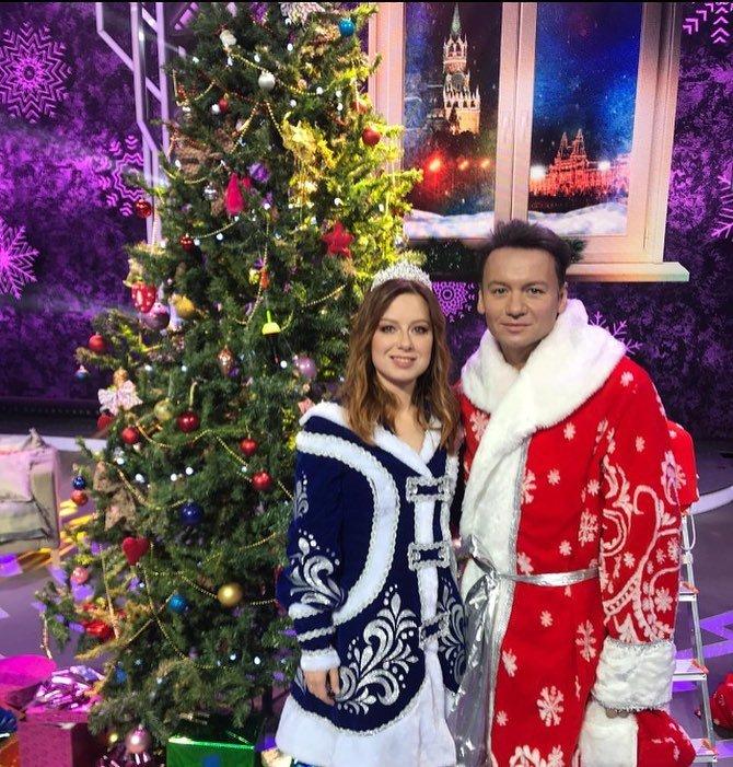 Юлия Савичева появится в новогоднюю ночь в образе Снегурочки