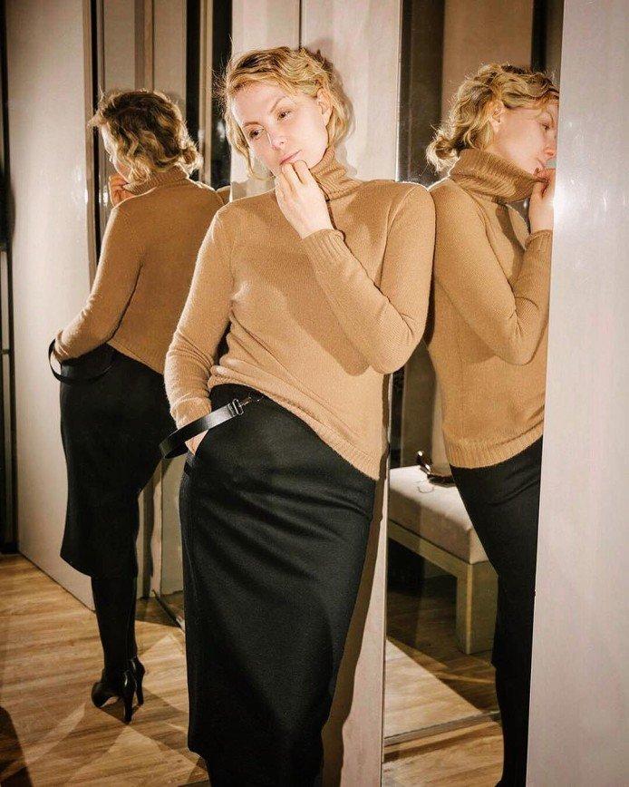 Свитер, юбка, без прически: Рената Литвинова вспомнила, как выглядела в студенчестве