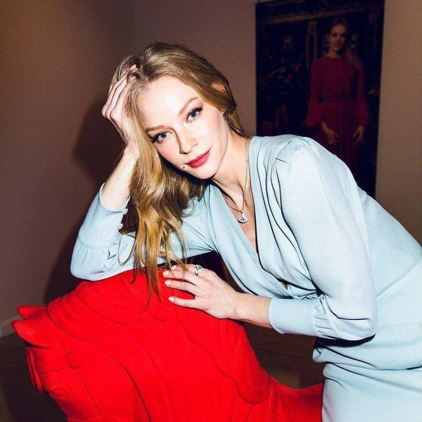 Светлана Ходченкова выбрала нежный образ для вечеринки Ульяны Сергеенко
