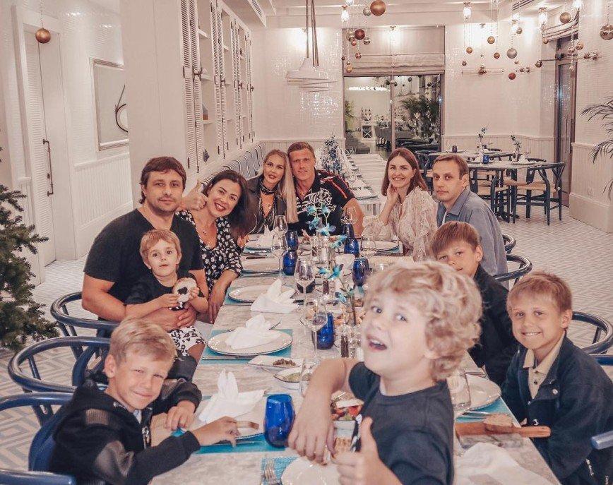 Оливье и мясо по-французски: Мария Погребняк рассказала, что приготовит на Рождество