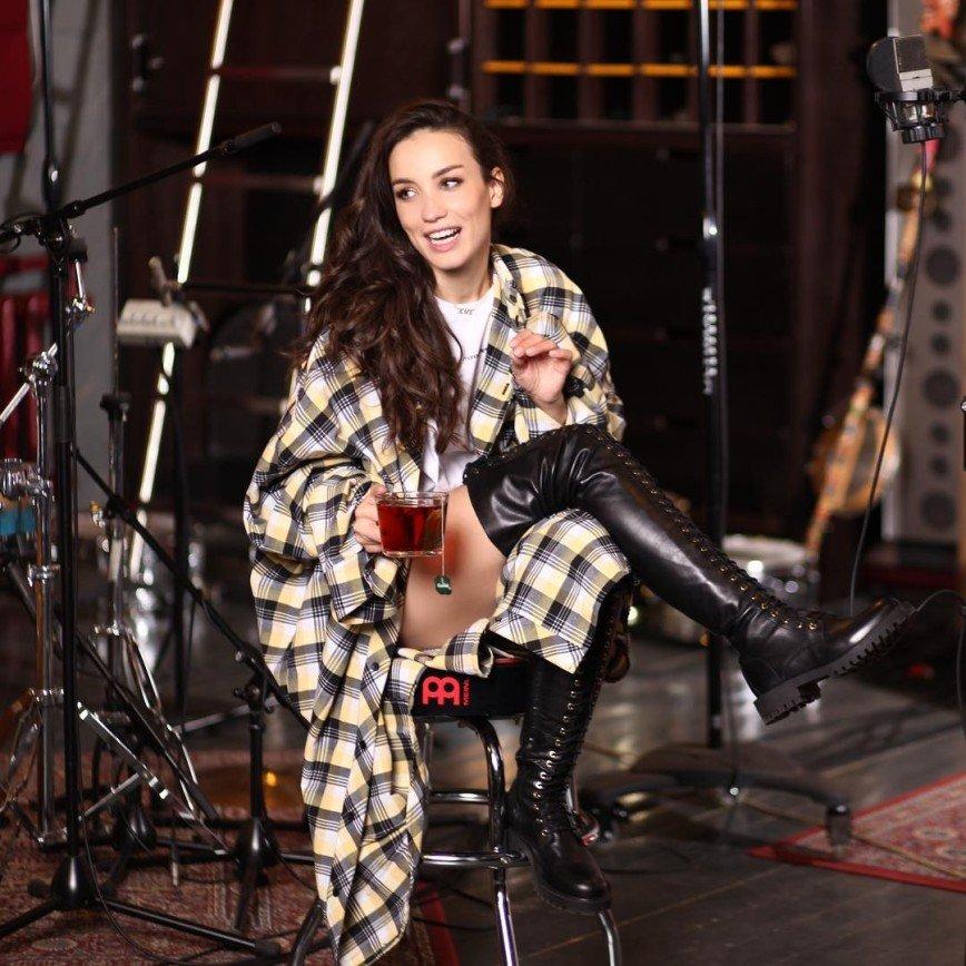 Бронхит не помеха: Виктория Дайнеко дает концерты, несмотря на недуг