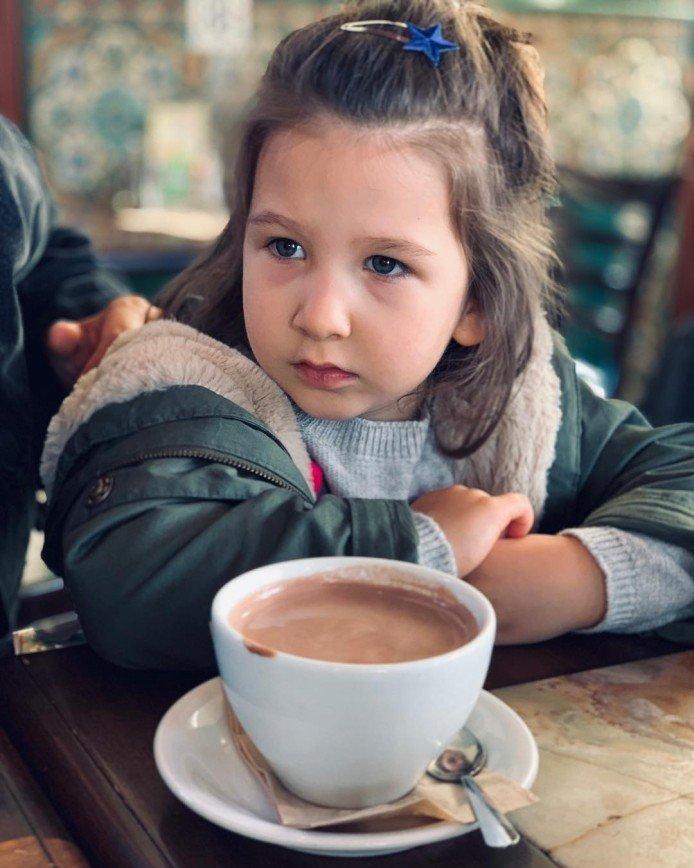 Папина дочка: трехлетняя Валерия стала копией своего отца Ивана Урганта