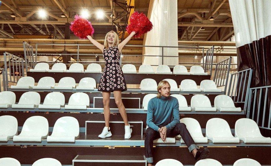 «А где романтика?»: Яна Рудковская и Евгений Плющенко снялись в фотосессии ко дню всех влюбленных