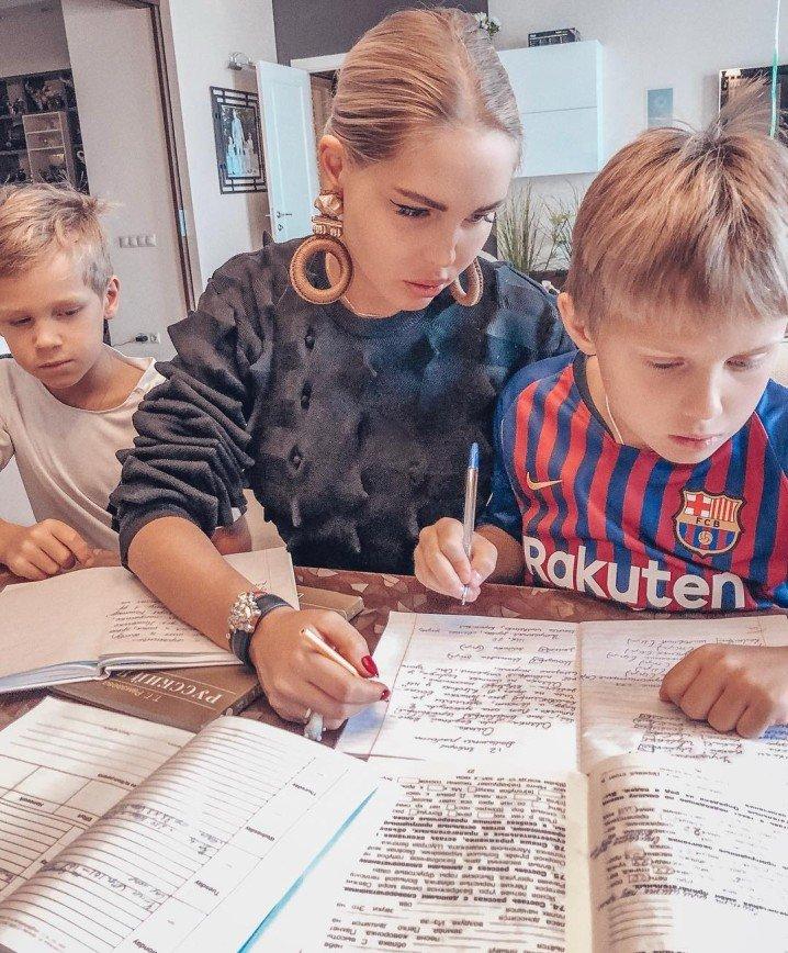 Я за максимальную загруженность: Мария Погребняк рассказала о подходе к образованию детей