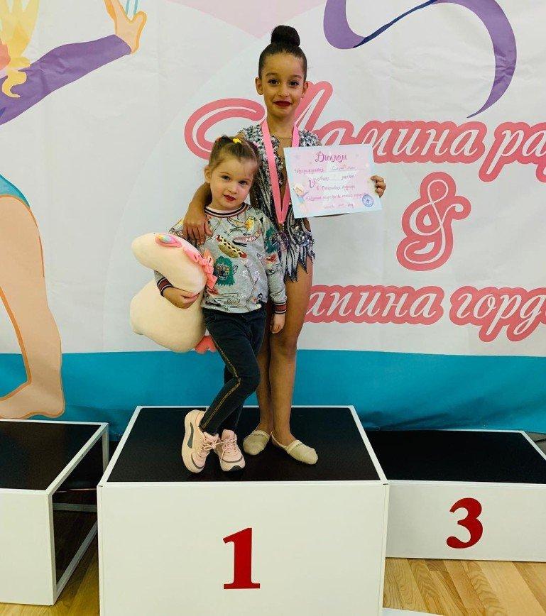 Дочь Ксении Бородиной заняла первое место на соревнованиях по гимнастике
