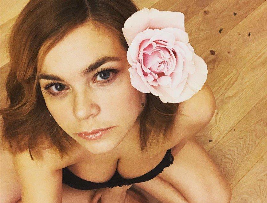 Провокация в белье: Ирина Пегова устроила пикантную фотосессию