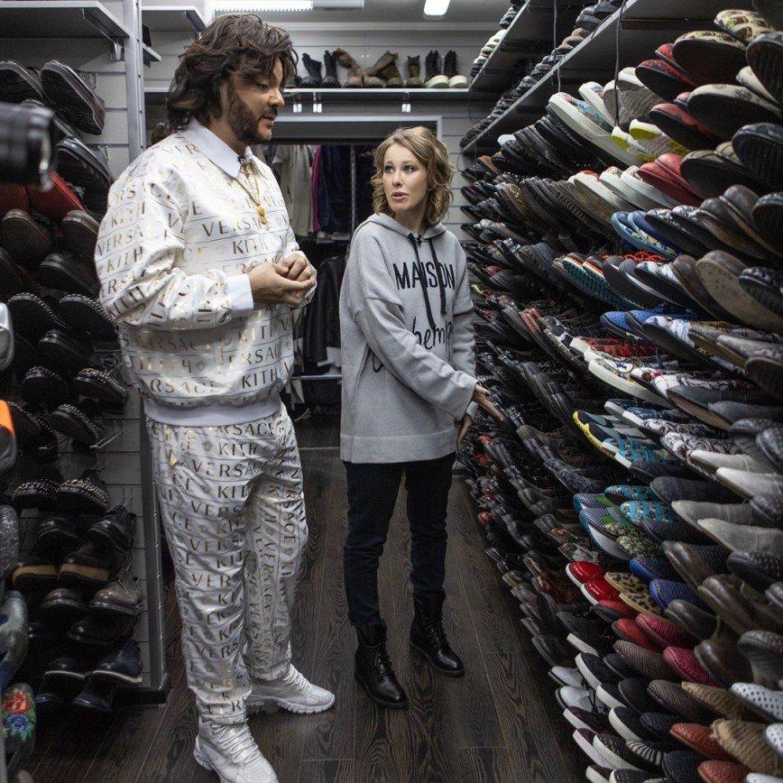 Все переносить и 10 жизней не хватит: Филипп Киркоров провел экскурсию по своей огромной гардеробной