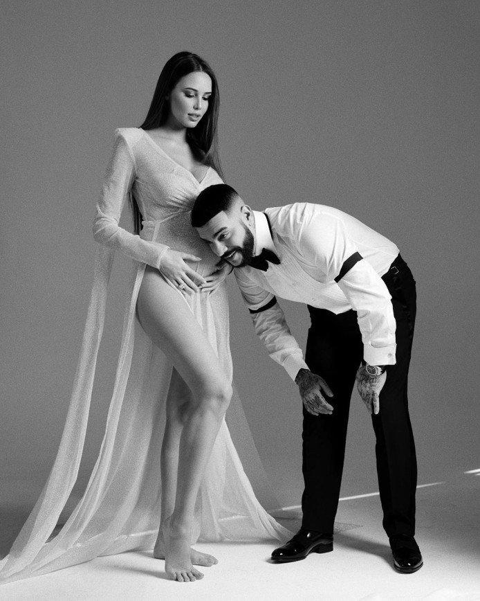 Беременная невеста Тимати Анастасия Решетова показала большой живот в романтической фотосессии