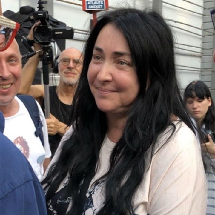 Без малого миллион: суд взыскал с Лолиты Милявской долги за ЖКХ