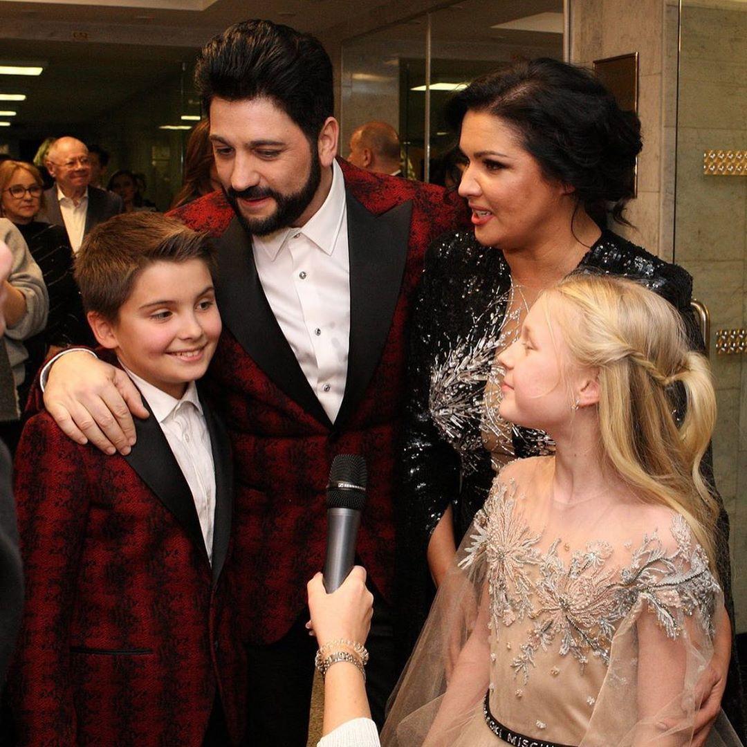 Сын Анны Нетребко дебютировал на сцене Кремлевского дворца