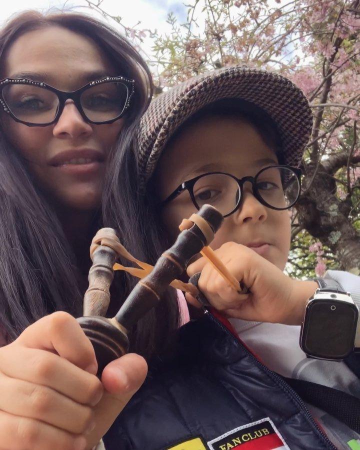 Алена Водонаева возлагает большие надежды на домашнее образование сына